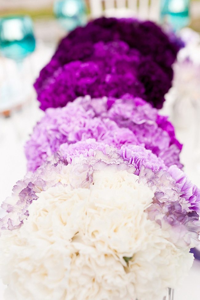 5-ombre-purple-carnation-balls-for-a-wedding