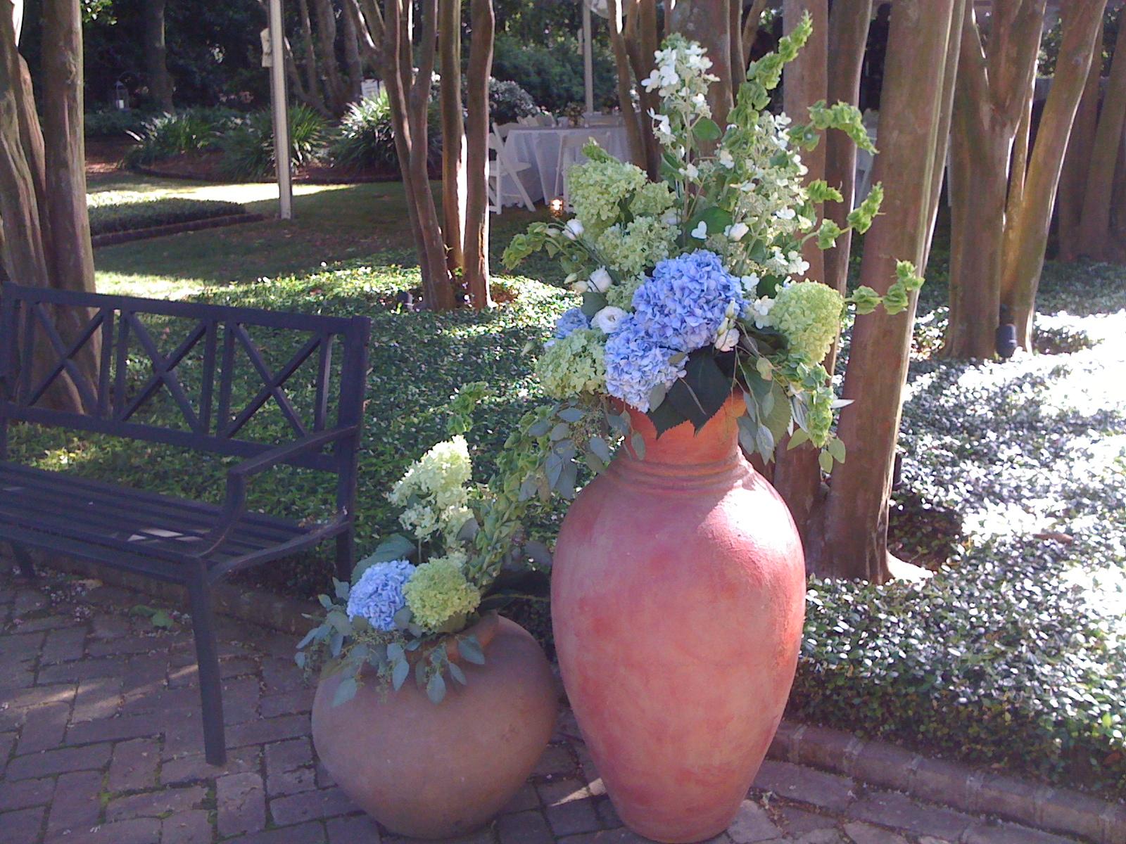 Garden flowers at Thomas Bennett House